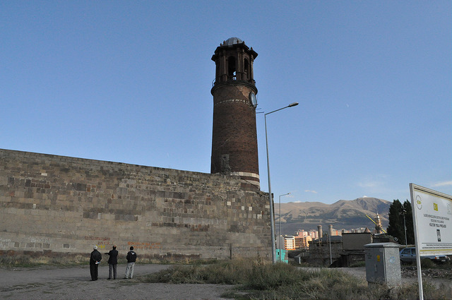 Башня с часами в крепости Эрзурум