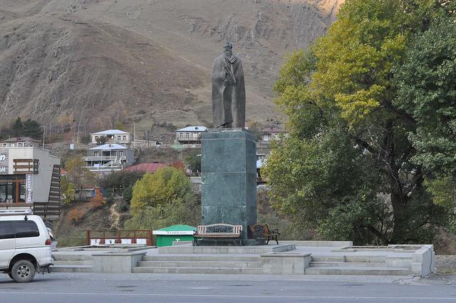 Пам. Александру Казбеги, Степанцминда (Казбеги)