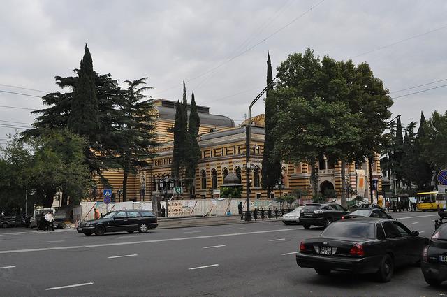 Театр оперы и балета в Тбилиси