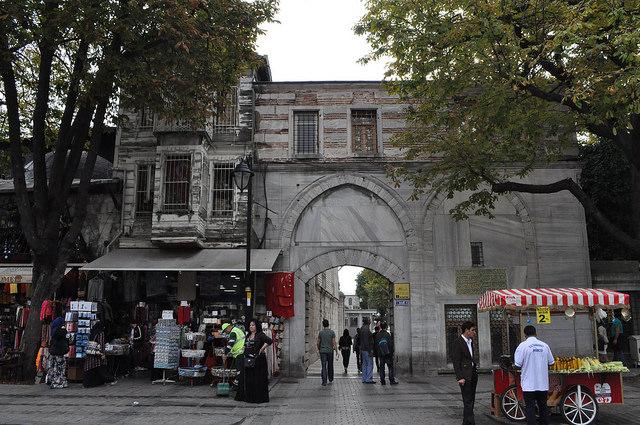 Проход к мечети Султанахмет, Стамбул
