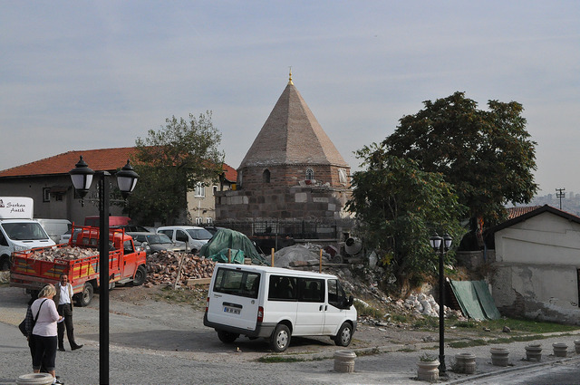 Мавзолей Ахи Шарафеддин, Анкара