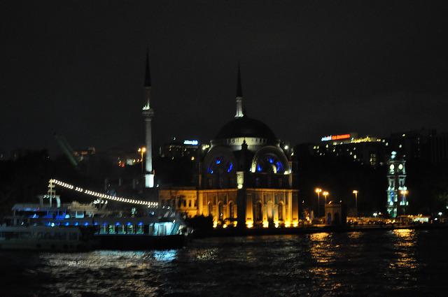 Мечеть Долмабахче, Стамбул
