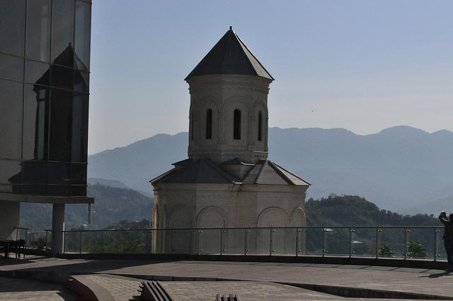 Церковь на станции канатки в Батуми