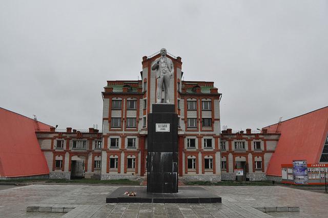 Пам. Ленину в Ливнах