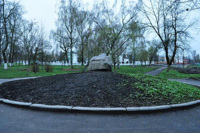 Памятный камень «Детинец» в честь основания Орла
