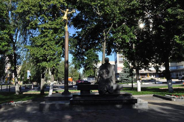 Памятник композитору Г. В. Свиридову, Курск