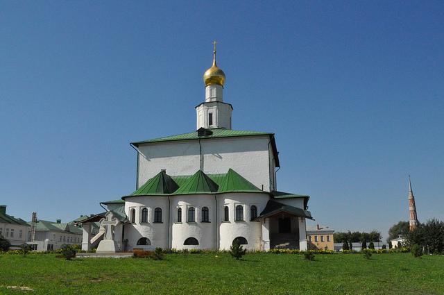 Собор Богоявления Господня в Старо-Голутвине Богоявленском монастыре
