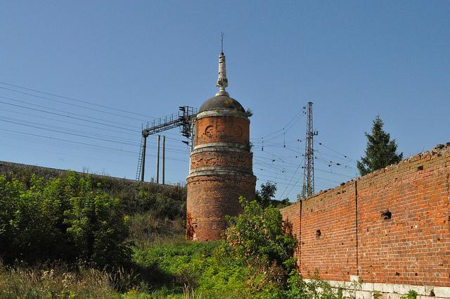 Южная башня Старо-Голутвина монастыря