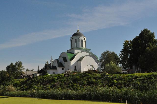 Храм Троицы Живоначальной в Протопопове (Коломна)