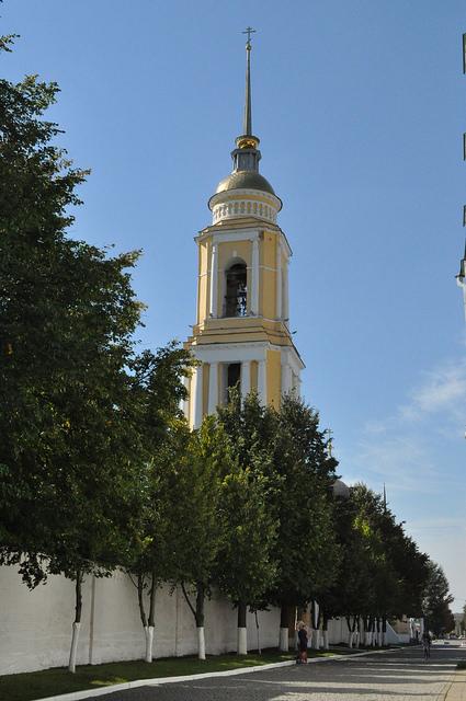 Колокольня Свято-Троицкого Ново-Голутвина монастыря (Коломна)