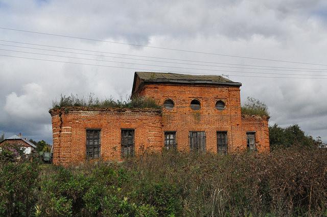 Церковь Михаила Архангела в Красном