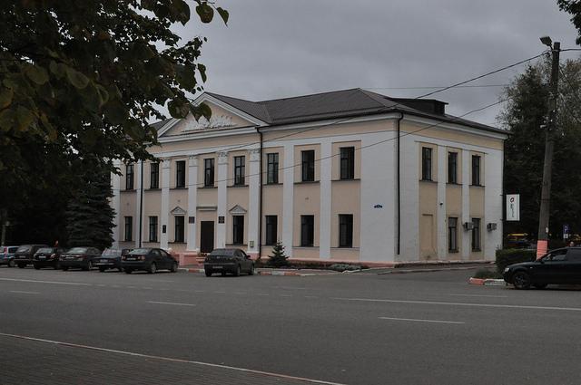 Отдел образования и МФЦ в Сухиничах