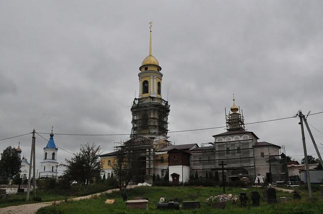 Церковь Алексия, человека Божия и надвратная колокольня, Белёв
