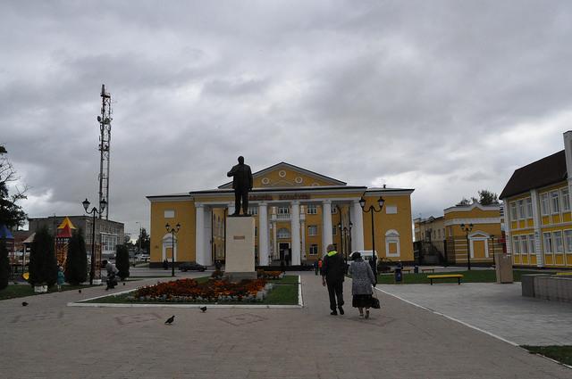 Центральная площадь г. Суворова