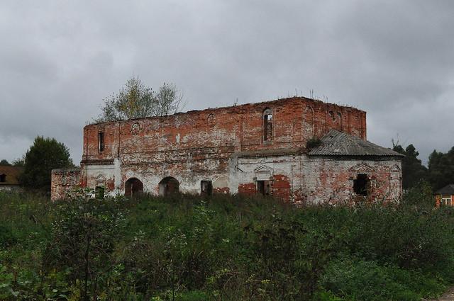 Церковь Иконы Божией Матери Смоленская в Петровском