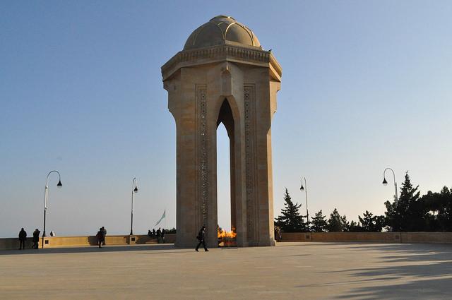 Памятник шахидам, Баку
