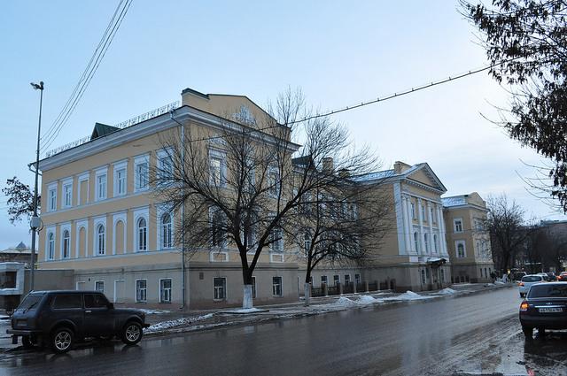 Саратовский областной колледж искусств (здание Присутственных мест)