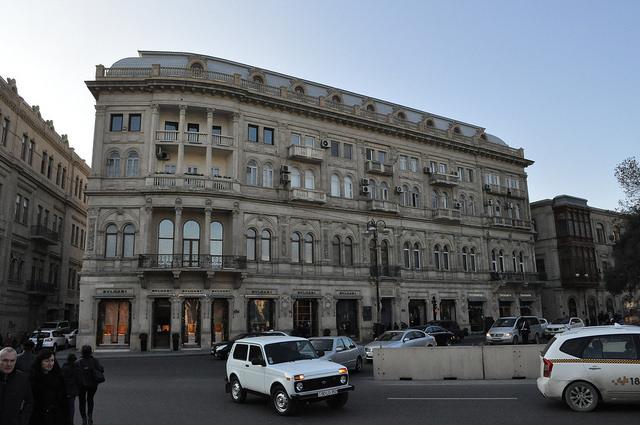Ул. Азиза Алиева, 1, Баку.