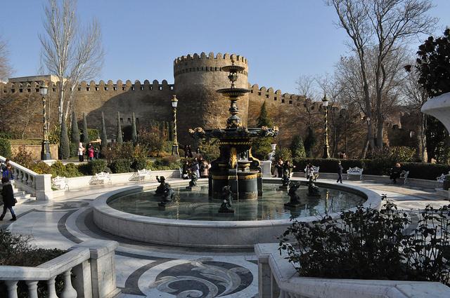 Парк им. Вахида, Баку