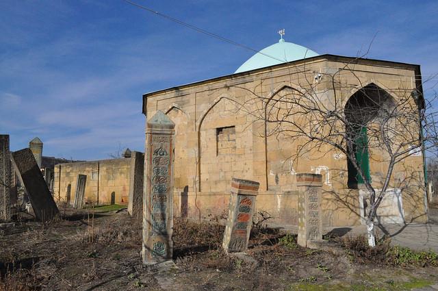 Мавзолей Тути-Бике на кладбище Кырхляр в Дербенте