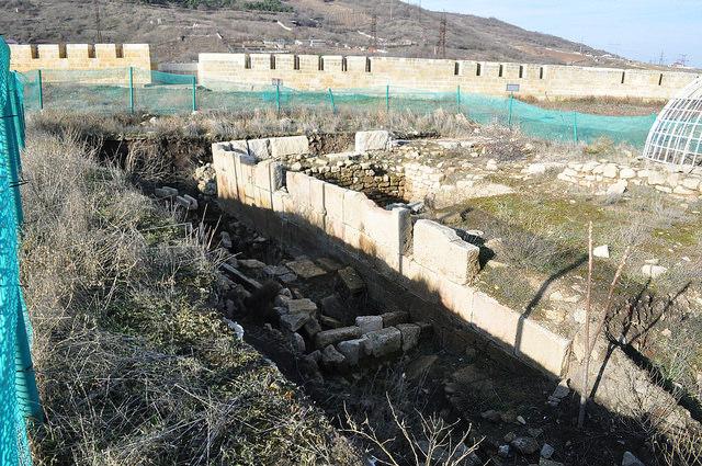 Раскопки в цитадели Нарын-Кала