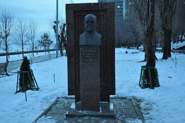 Памятник А. И. Шибаеву, Саратов