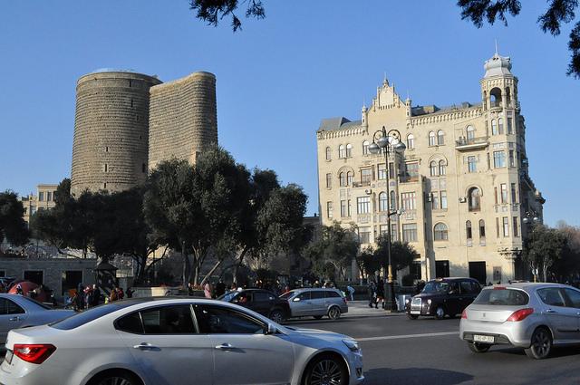 Девичья башня и дом Гаджинского, Баку