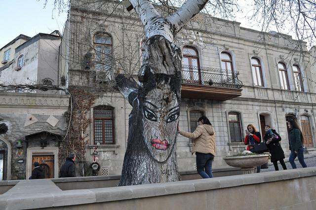 Древо Жизни Али Шамси, Баку