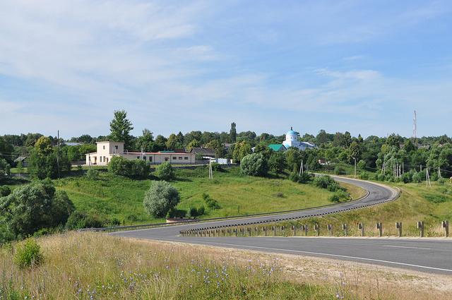 Вид на Чекалин и храм в честь Введения во храм Пресвятой Богородицы