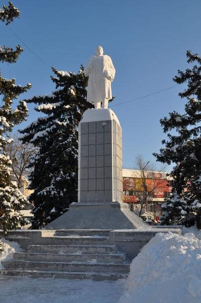 Памятник Ленину, Энгельс