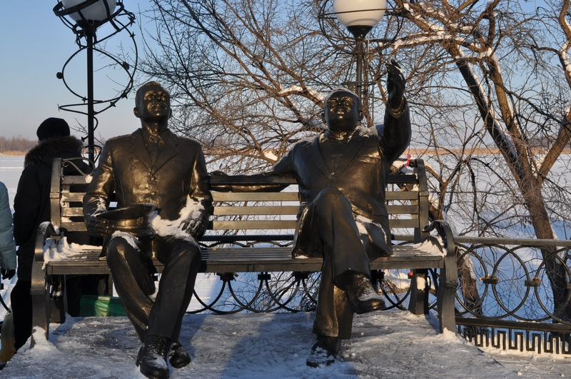 Памятник Ю. А. Гагарину и С. П. Королёву «Перед полётом...», Энгельс