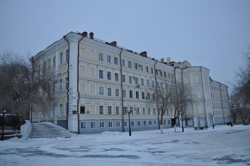 Здание Оренбургского высшего военного авиационного Краснознамённого училища