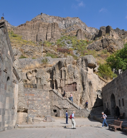 Монастырь Гегард, пещерные кельи