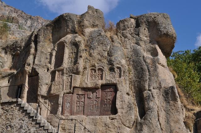 Монастырь Гегард, хачкары
