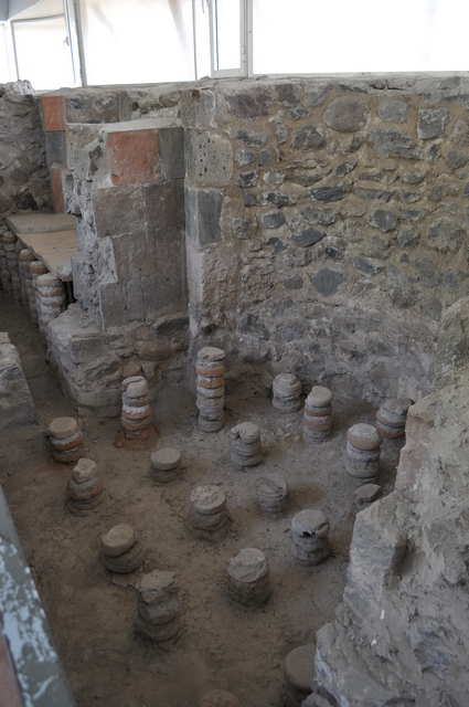 Древние бани в Гарни