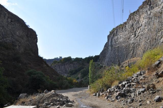 Ущелье реки Азат, Гарни