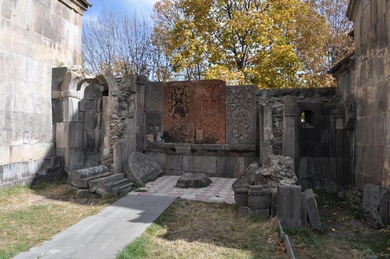 Хачкары, монастырь Кечарис, Цахкадзор, Армения