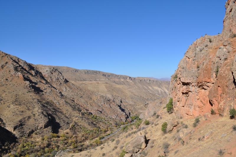 Ущелье у монастыря Нораванк