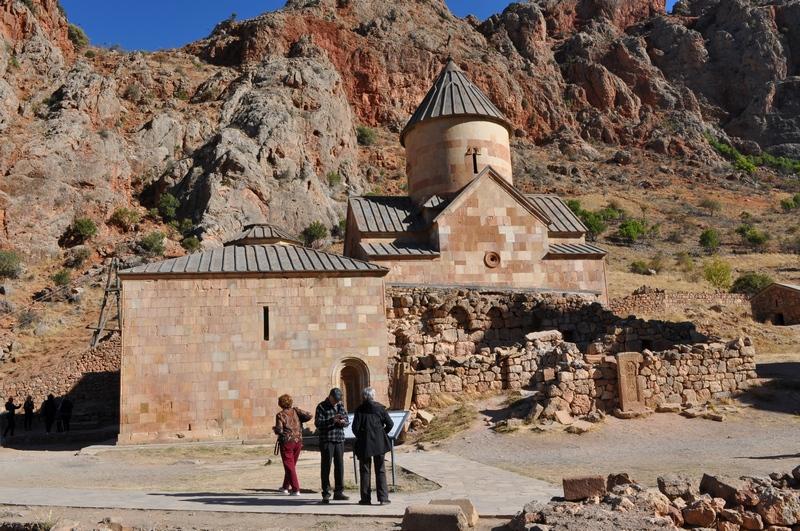 Церковь Сурб Карапет с притвором и пристроенной к ней часовней Сурб Грикор, монастырь Нораванк, Армения