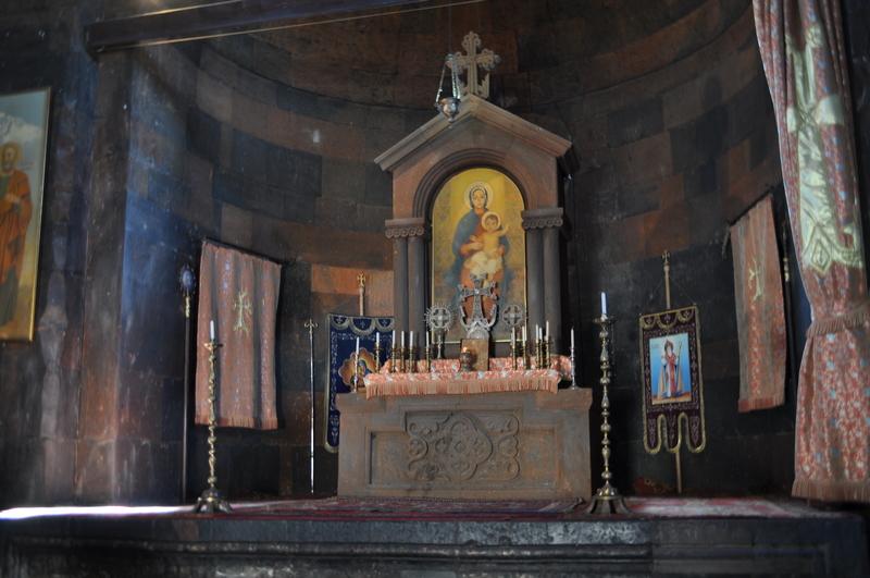 Интерьер церкви Астватцацин, монастырь Хор Вирап, Армения