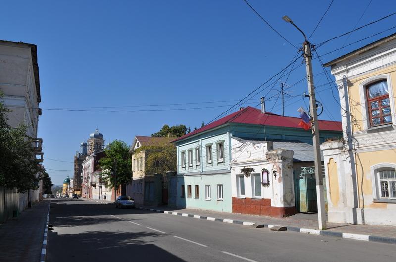 Октябрьская улица в Ельце