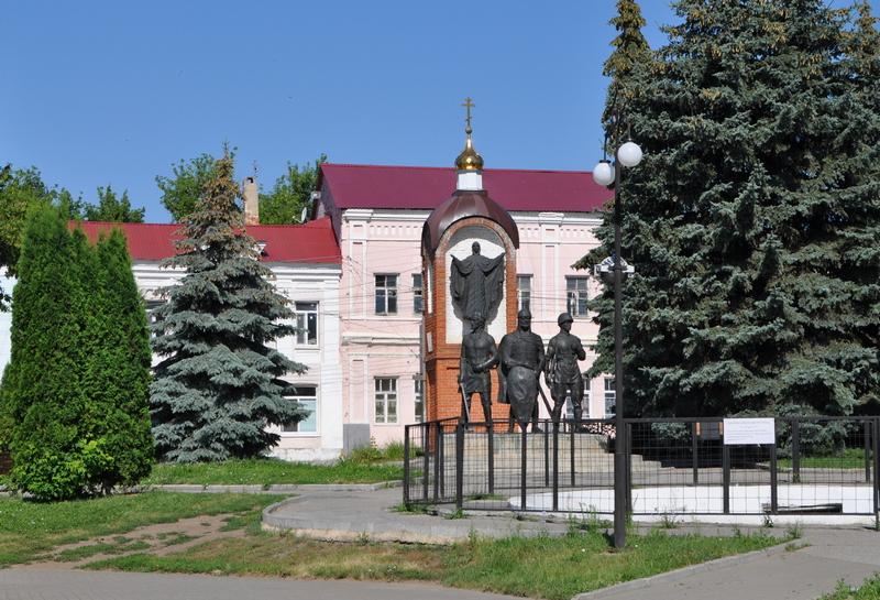 Памятник к 850-летней годовщине основания города Ельца