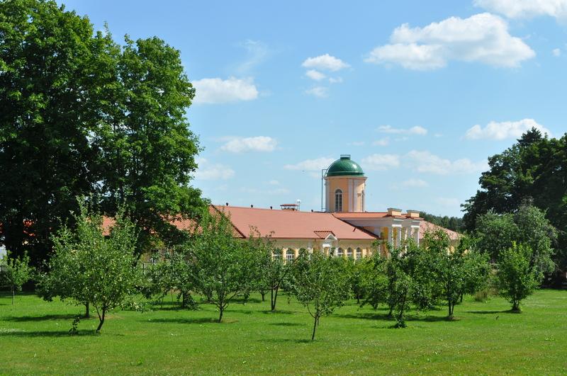 Усадьба Степановское-Волосово, ворота хоздвора