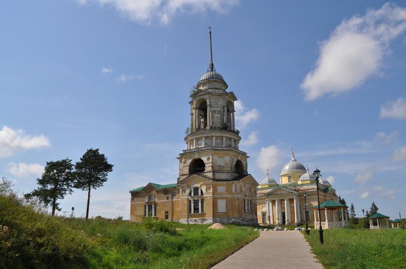 Храм-колокольня Спаса Нерукотворного Образа в Старице