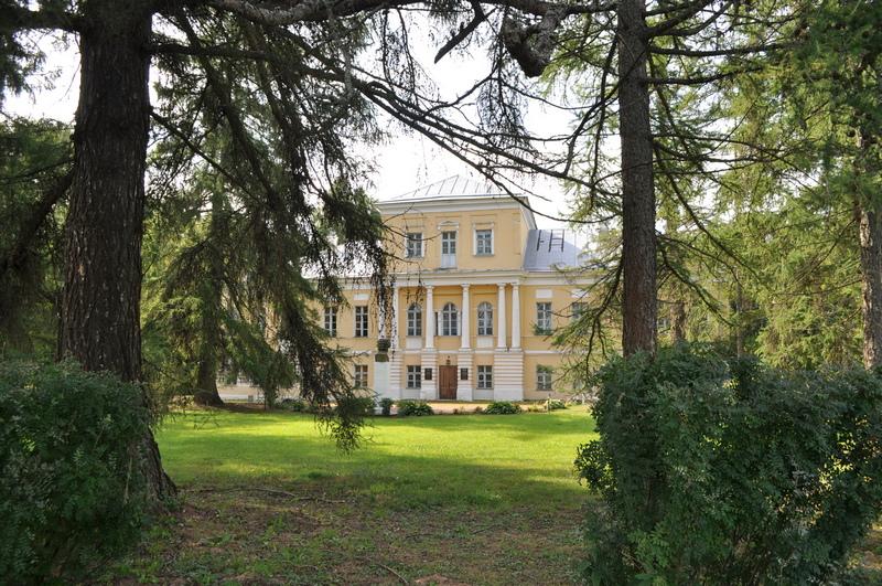 Главный дом усадьбы Берново