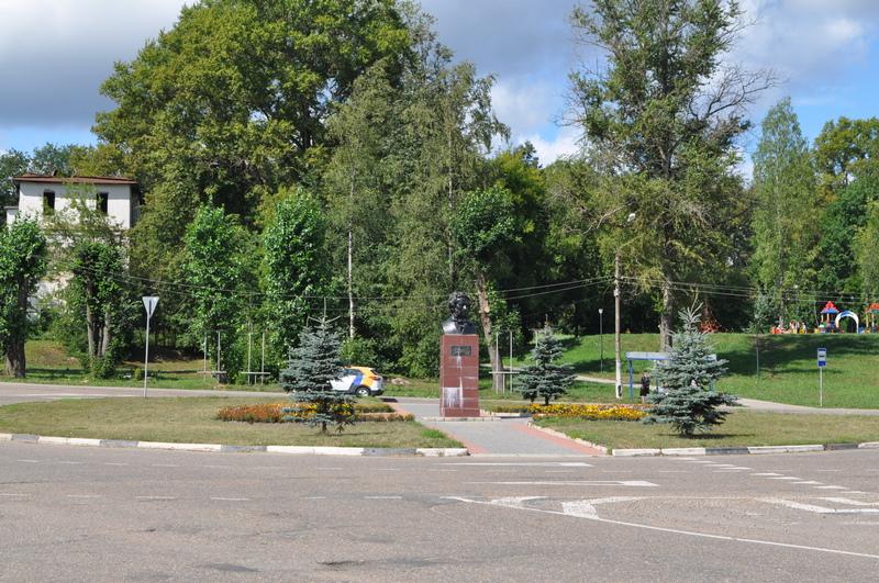 Памятник Пушкину в Торжке